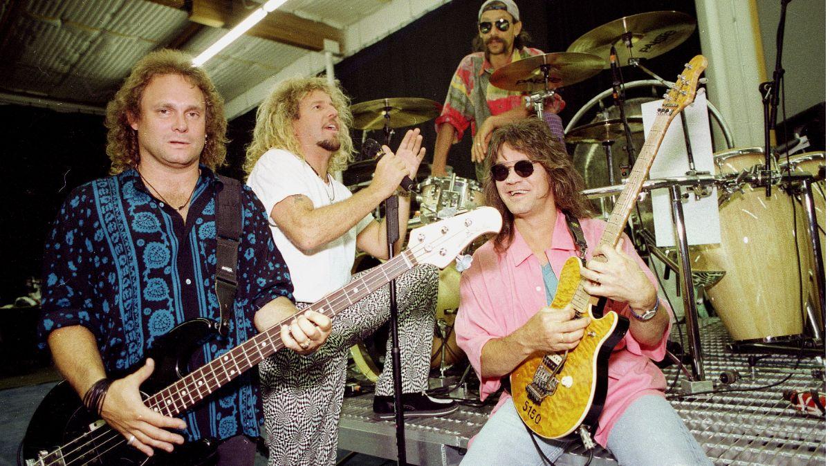 Roban guitarras firmadas por estrellas de rock