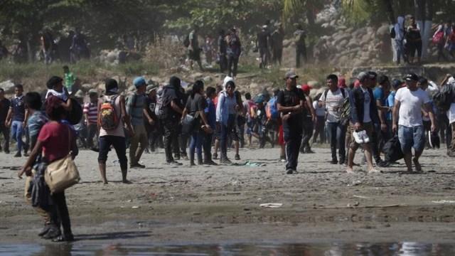 Guardia Nacional repliega a migrantes en la frontera México-Guatemala. (EFE)