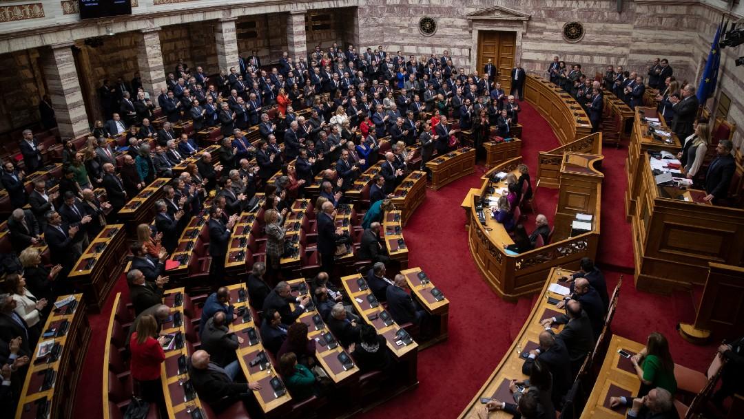 Parlamento Grecia nombra a primera presidenta de su historia