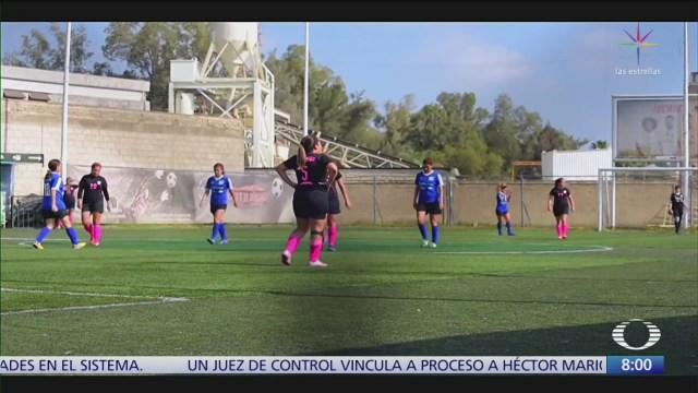 peculiar liga de futbol para mamas