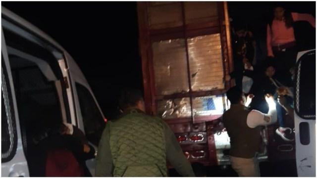 Foto: Rescatan a casi 100 migrantes que viajaban en camión en Tuxtla Gutiérrez, 12 de enero de 2020 (Foro TV)