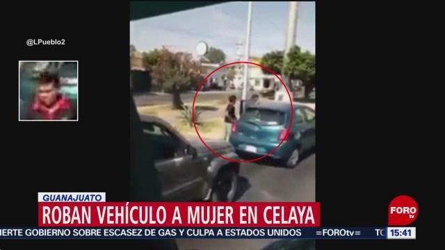 FOTO: roban carro a una mujer en celaya guanajuato
