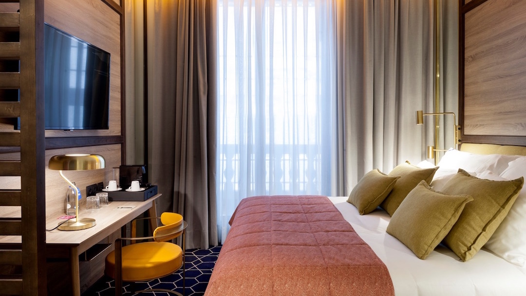Cristiano-Ronaldo-Hotel-Madrid-Gran-Vía-Pestana-CR7