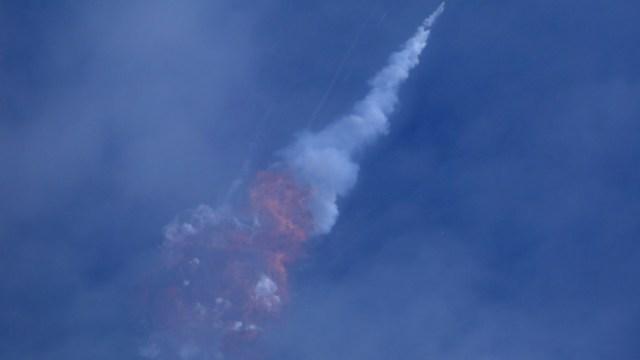 Foto: SpaceX destruye un cohete antes de enviar su Crew Dragon con humanos, 19 enero 2020