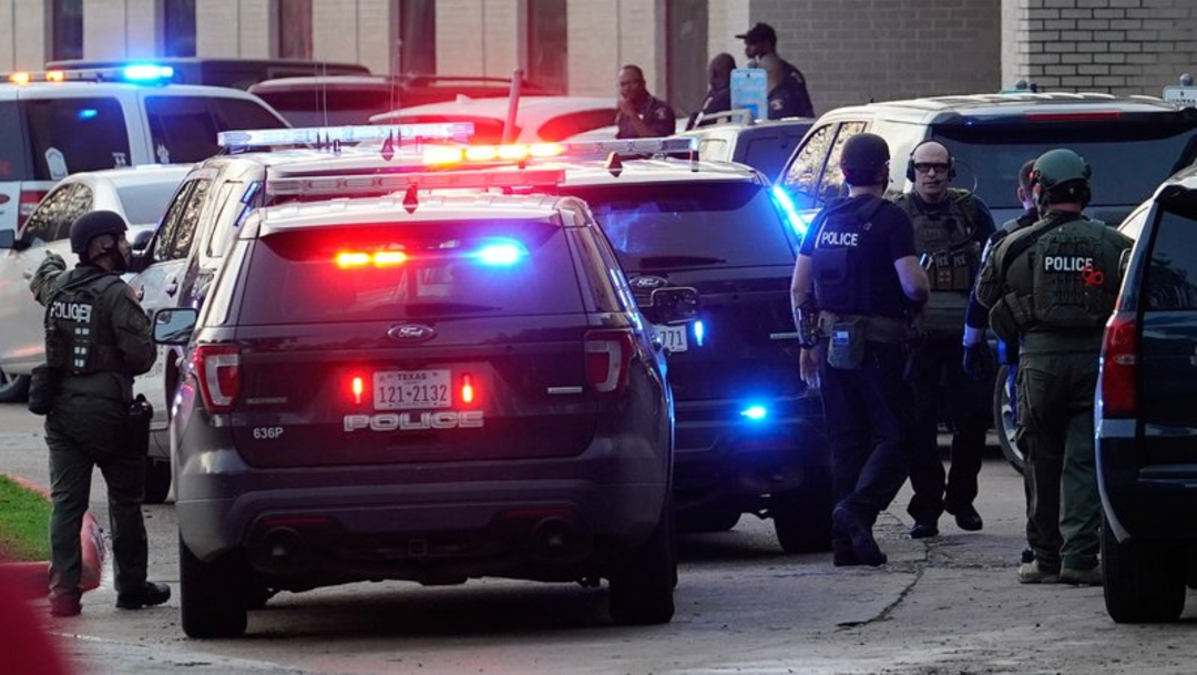 Tiroteo en secundaria de Texas deja un alumno muerto