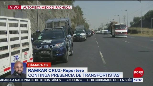 transportistas liberan vialidad en autopista mexico pachuca pero permanecen estacionados