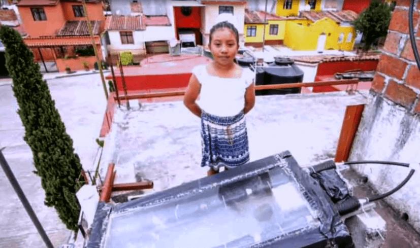 FOTO Cómo una niña de 10 años acerca a las mujeres a la ciencia (Noticieros Televisa)
