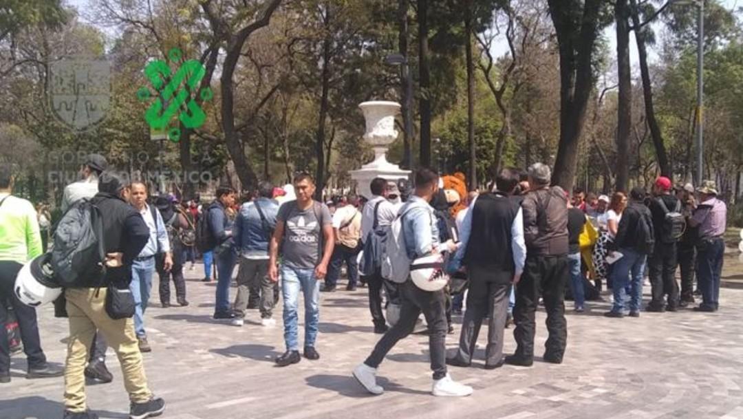 Artistas urbanos y botargas protestan en CDMX