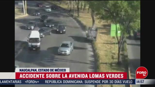 FOTO: automovil vuelca sobre avenida lomas verdes en naucalpan estado mexico