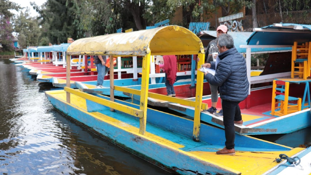 Abren nuevos canales de navegación en Xochimilco