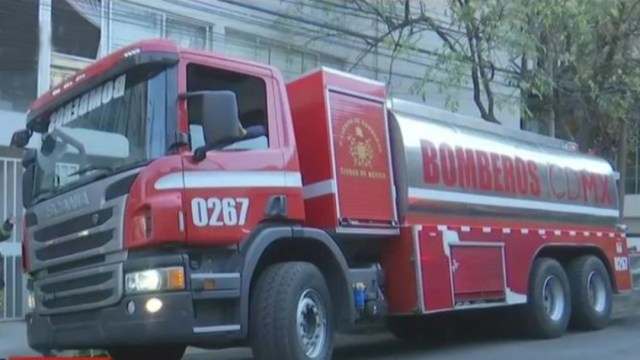 Fotografía que muestra una camión de bomberos de la CDMX, 22 febrero 2020