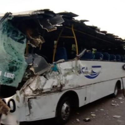 Foto: Accidente carretero deja 5 lesionados en Guerrero, 15 de febrero de 2020, (FOROtv)