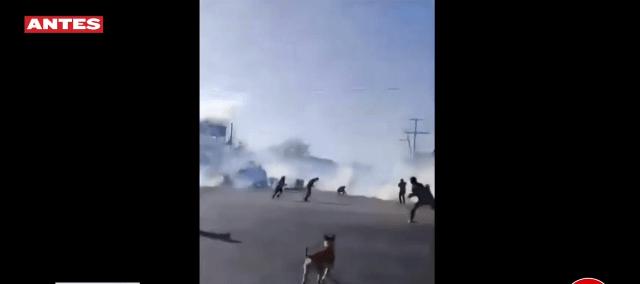 Imagen: La Fiscalía General del Estado de Chiapas detuvo a dos elementos de la Policía Estatal por el agravio de manifestantes, ocurridos el 16 de febrero, 22 de febrero de 2020 (Foro TV)