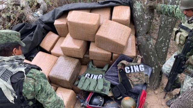 Foto: El decomiso fue realizado sobre un camino de terracería de esta entidad; se encontraron, al menos, 300 kilogramos de marihuana, así como armas de diversos calibres y cartuchos útiles
