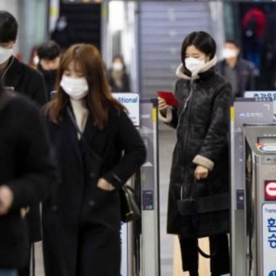 Foto: Hasta la última actualización, autoridades sanitarias chinas informaron sobre 150 muertes más en el país, además, detectaron 409 nuevos casos lo que deja un total de 77 mil 150 personas infectadas