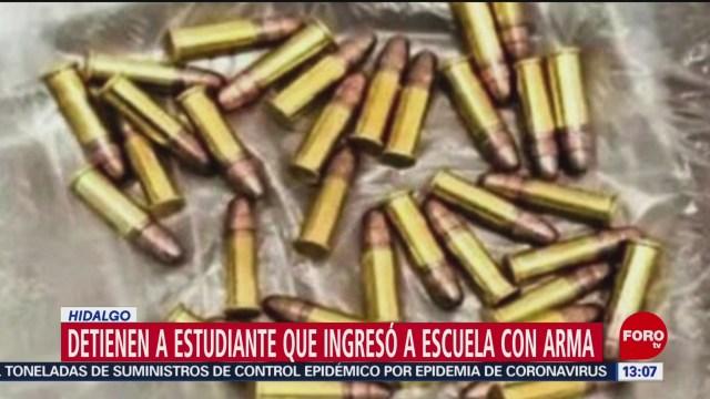 FOTO: detienen a estudiante que entro a colegio de pachuca con una pistola