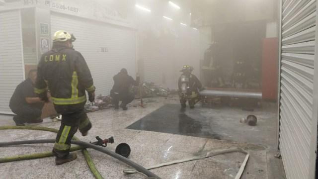 Foto: Se registran dos incendios en el Centro de la CDMX, 15 de febrero de 2020, (Bomberos de la Ciudad de México)