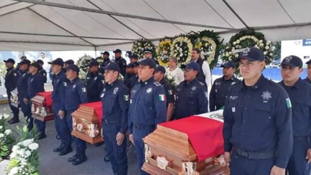 Foto: Despiden con honores a policías caídos en Veracruz, 15 de febrero de 2020, (Twitter @LNpoliciacasMXQ)