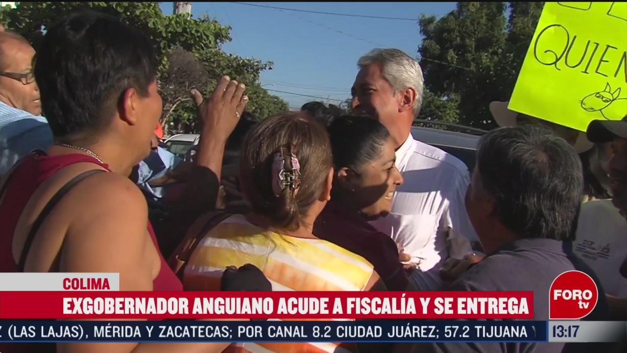 FOTO: exgobernador de colima acude a la fiscalia estatal y se entrega