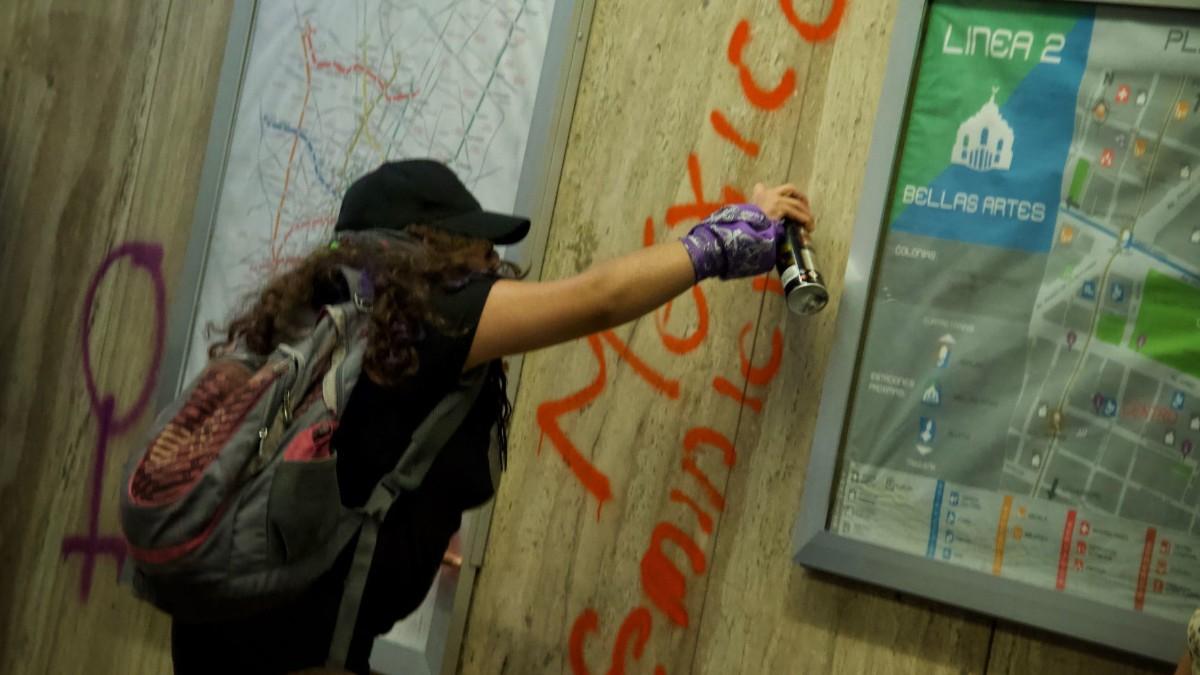 Foto: Mujeres protestan en el Metro CDMX contra feminicidios. Cuartoscuro