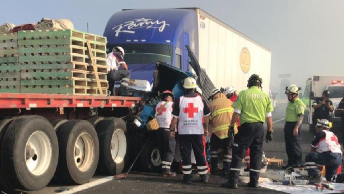 Foto: Elementos de la Cruz Roja atendieron a los accidentados.