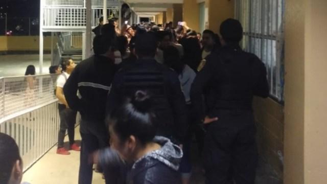 Foto: Protestan en la escuela Beatriz Ávila García.
