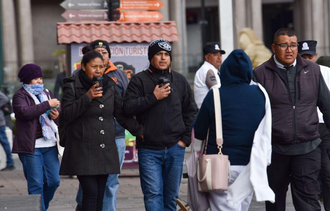 Foto:La personas se protegen de las bajas temperaturas que se registran en México, 1 marzo 2020