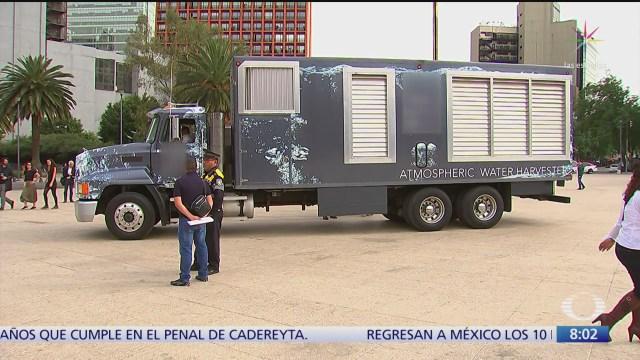 hay un camion capaz de usar aire para producir agua