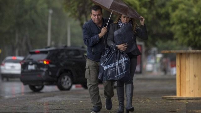 Imagen: Para este domingo, se espera que en algunos estados del sur se mantengan las lluvias debido a un canal de baja presión procedente del Golfo de México; también, se prevén vientos y ambiente caluroso en diversas zonas del país