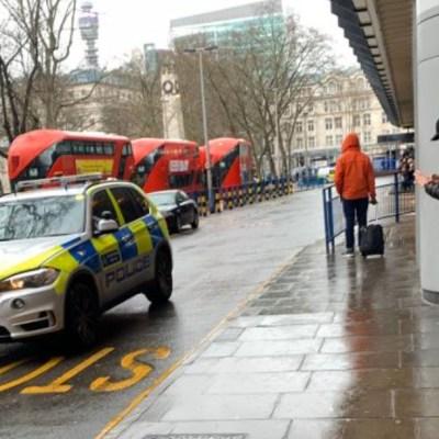 Policía de Londres evacúa estación ferroviaria por supuesto apuñalamiento