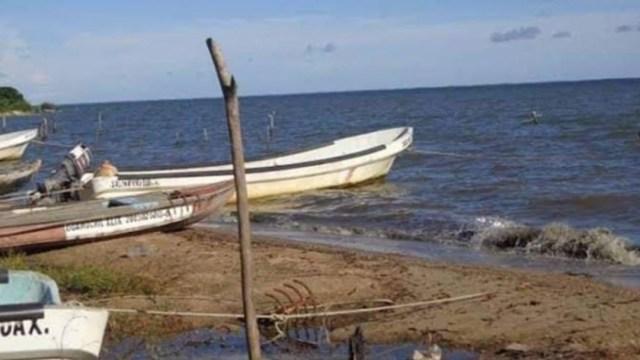 Foto: Un hombre más, así como un joven menor de edad aún no son localizados; el naufragio fue a consecuencia de los fuertes vientos generados por el frente frío 41