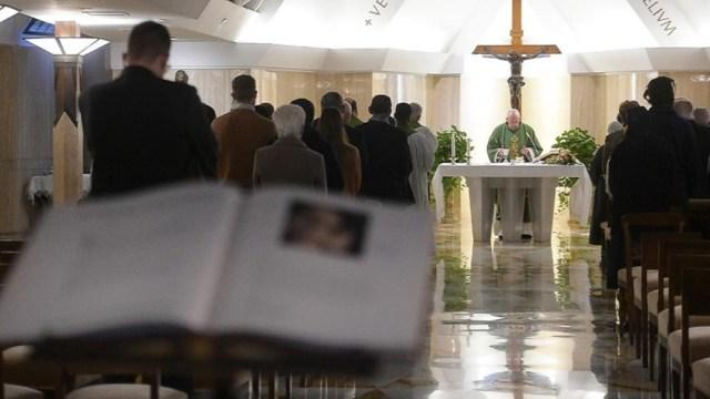 Papa Francisco se pronunciará sobre sacerdotes casados
