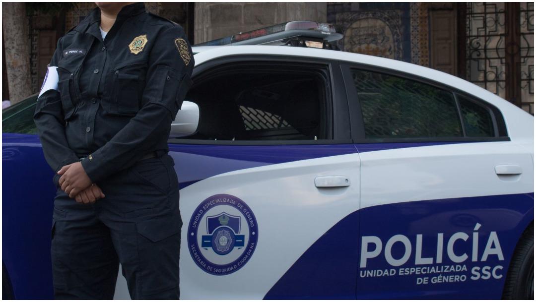 Imagen: Policías de la SSCDMX evitó que una mujer se quitara la vida, 16 de febrero de 2020 (MAGDALENA MONTIEL / CUARTOSCURO.COM)