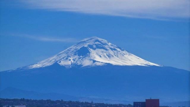 Cimas nevadas: Volcanes de México lucen su esplendor cubiertos de nieve