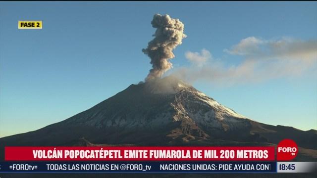 FOTO: popocatepetl emite fumarola de mil 200 metros