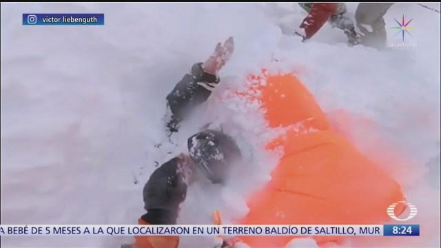 rescatan a mujer entrada por avalancha en suiza