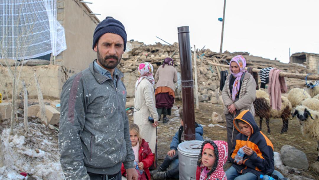 Foto:El hogar de una familia quedó derrumbado tras el sismo con epicentro en Irán 23 febrero 2020