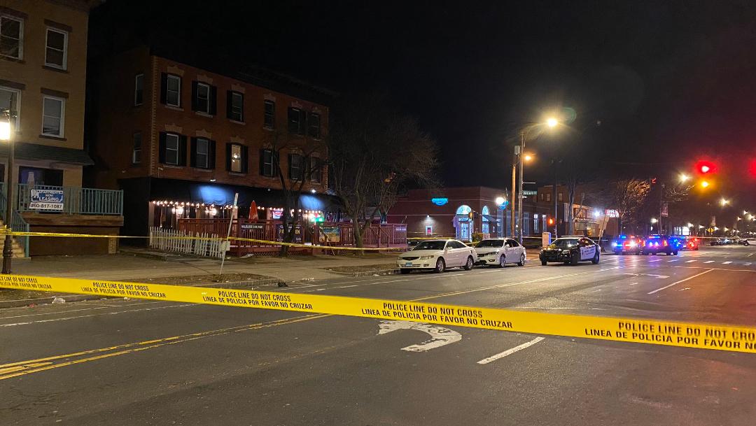 Tiroteo en un bar de Connecticut deja un muerto y cuatro heridos