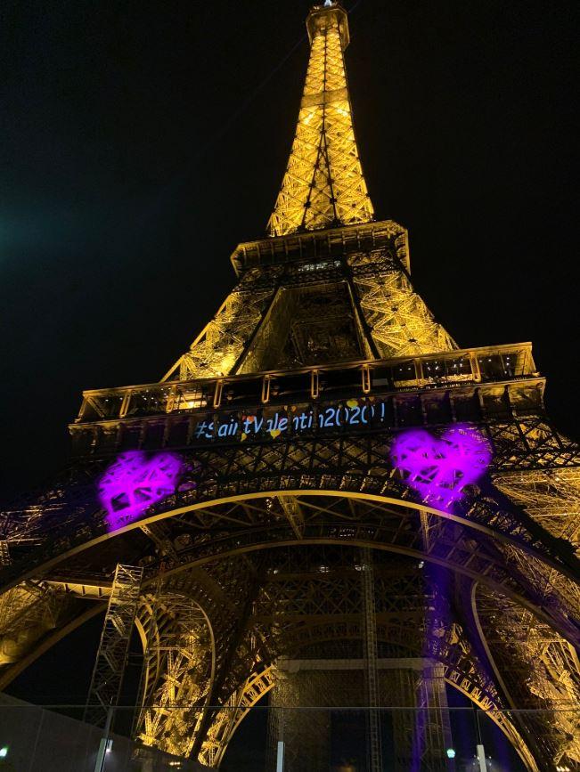 A través de la etiqueta #EiffelinLove, la cuenta oficial del monumento comparte fotografías.