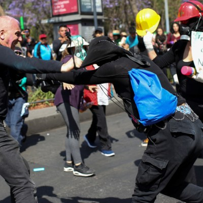 Seis periodistas fueron agredidos en marcha del Día de la Mujer en CDMX