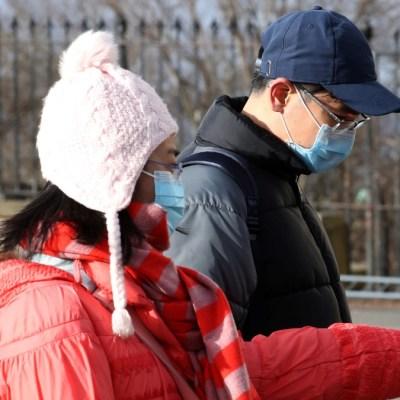 Van dos mil 943 muertos por coronavirus en China