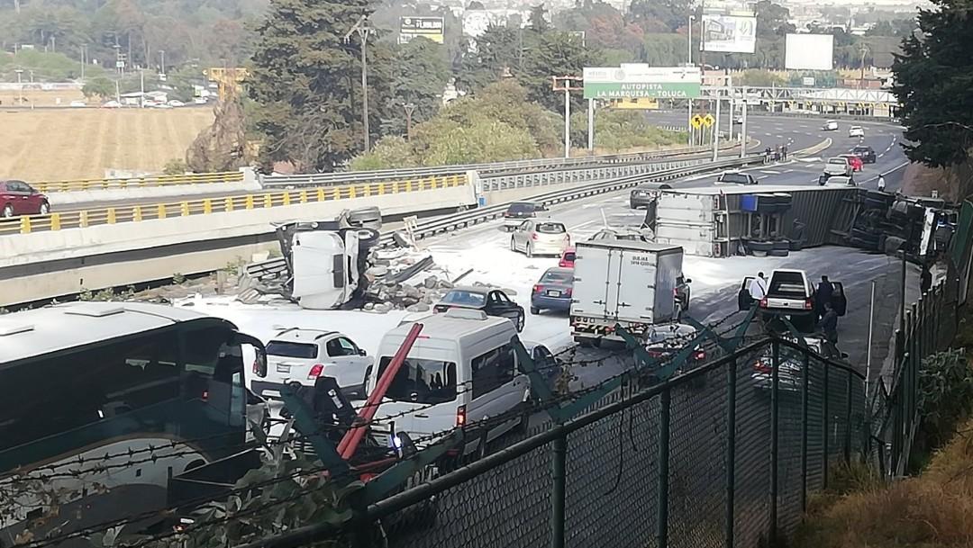 Foto: Chocan dos tráileres en la México-Toluca; el tráfico muy afectado