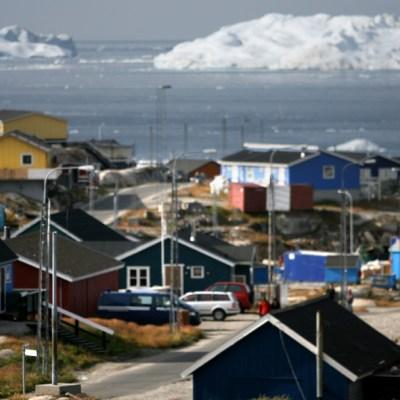 """FOTO: Groenlandia prohíbe el alcohol """"proteger a los niños"""" de abusos en la cuarentena, el 29 de marzo de 2020"""