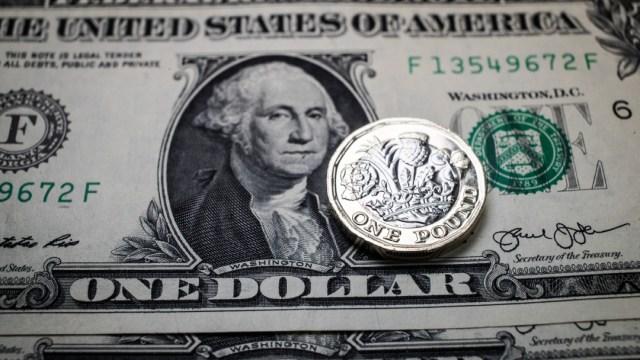 FOTO: Peso mexicano se hunde a nuevo mínimo histórico, supera barrera de 24 por dólar