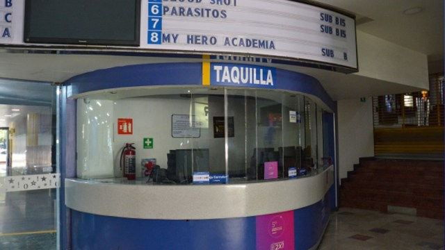 Foto: Taquilla cerrada de un Cinepolis en Ciudad de México. Getty Images