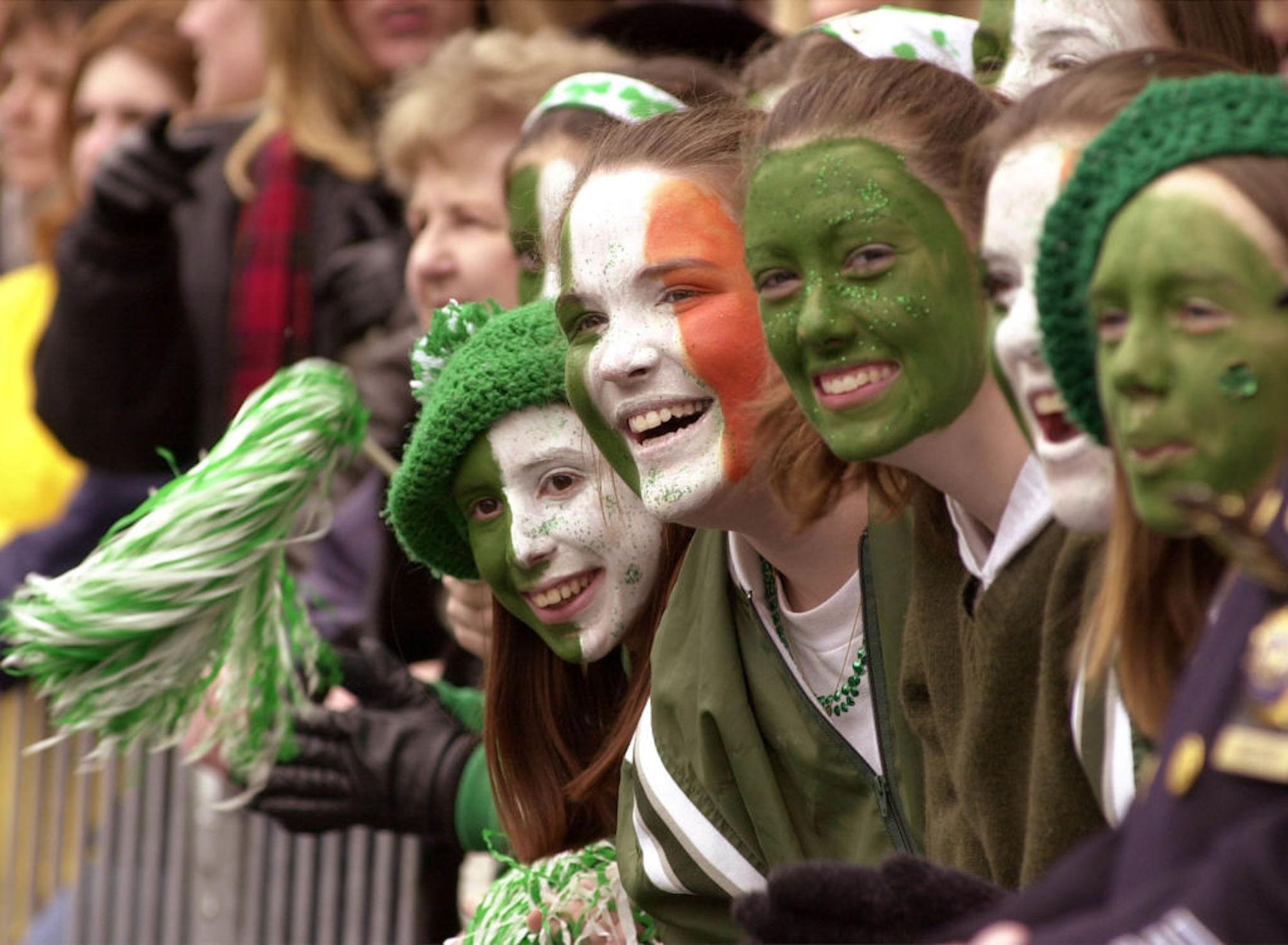 Día de San Patricio: por qué tomar cerveza y usar ropa verde