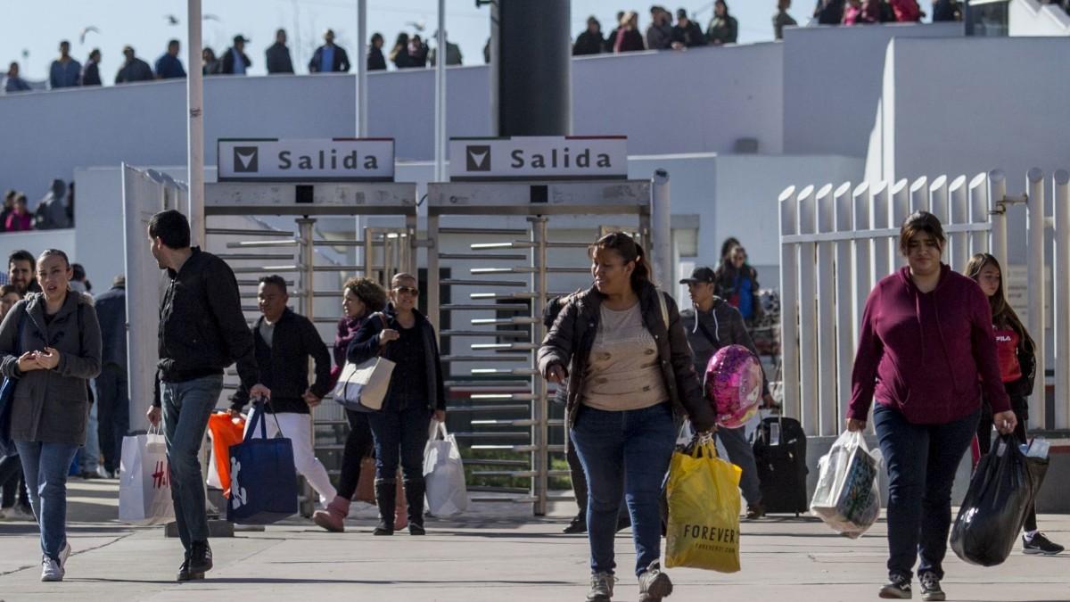 México pide a EEUU que siga abierta la frontera: Ebrard