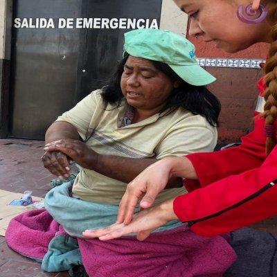 Jóvenes orientan sobre coronavirus a personas en situación de calle en CDMX