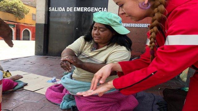 Coronavirus: Jóvenes orientan a personas situación de calle