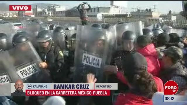 manifestantes bloquean la carretera mexico puebla